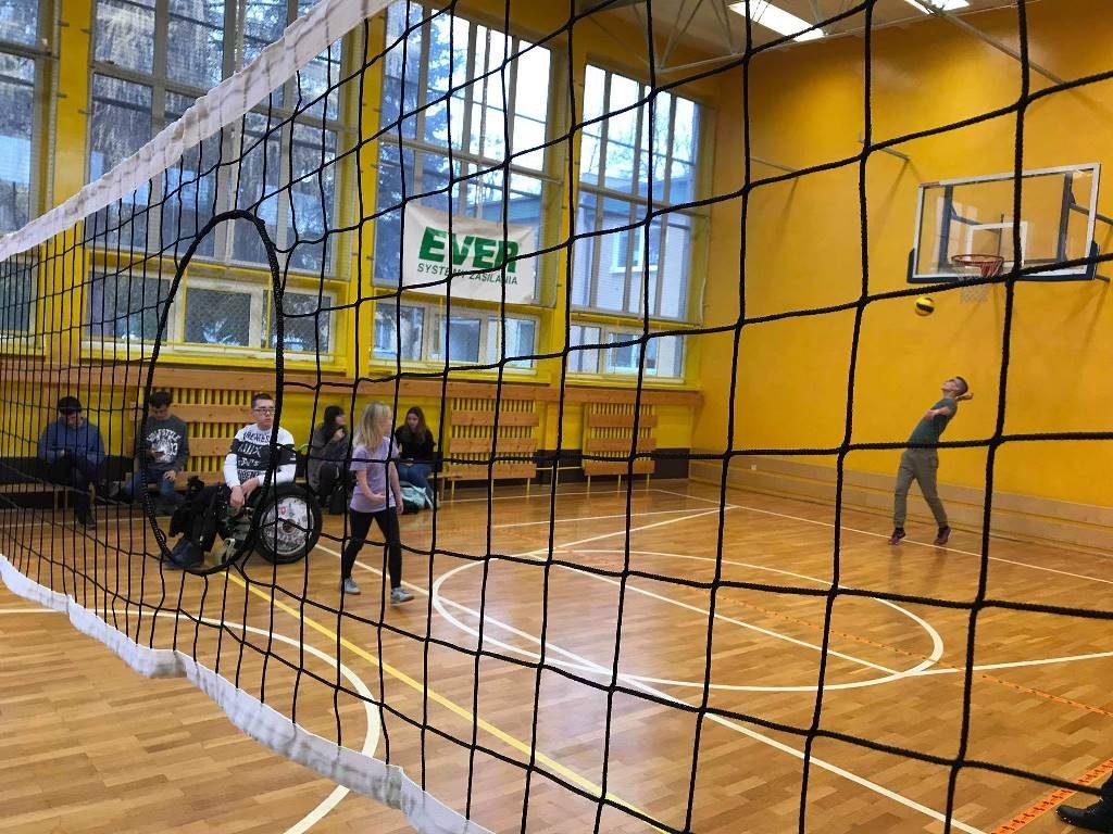 Pierścieniówka - integracja osób niepełnosprawnych z pełnosprawnymi przez sport
