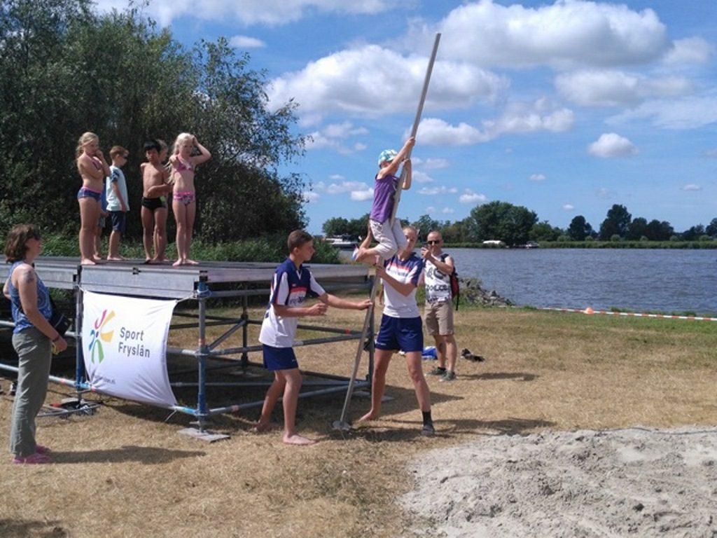 sporty tradycyjne - fierljeppen dzieci