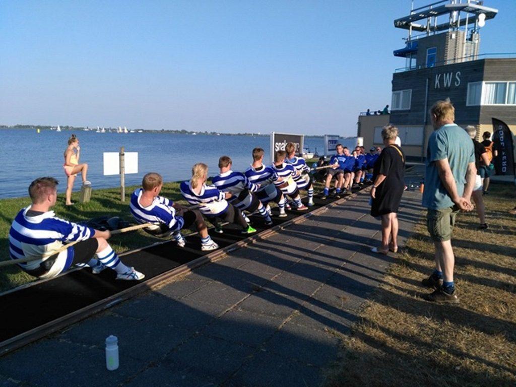 sporty tradycyjne w Holandii - przeciąganie liny