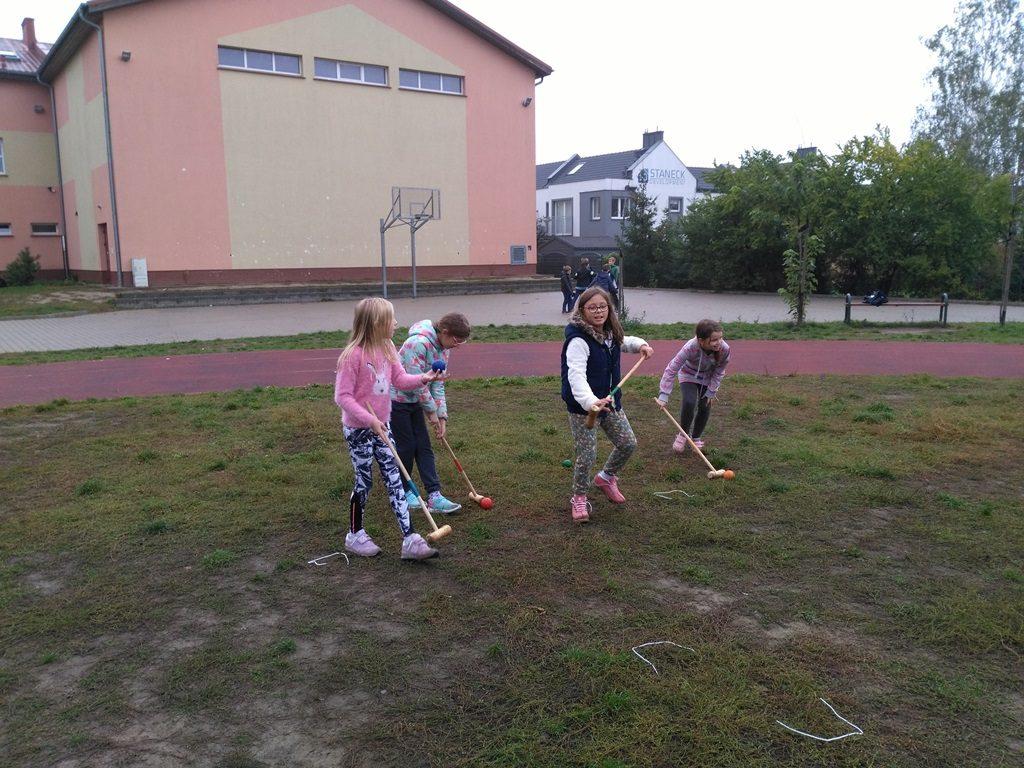 zajęcia z gier tradycyjnych - krokiet w szkole