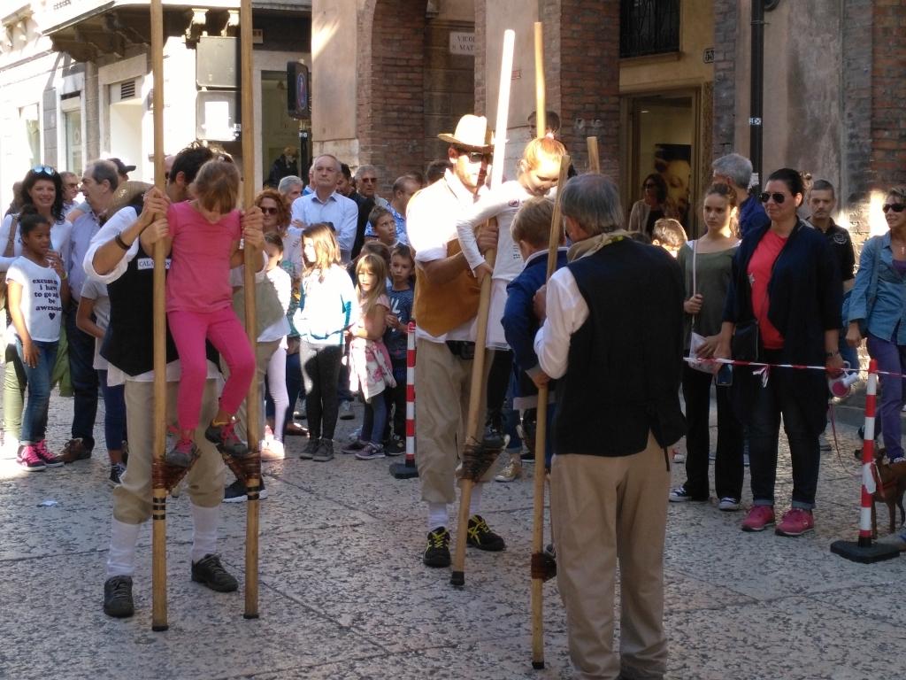 sporty tradycyjne - szczudła2