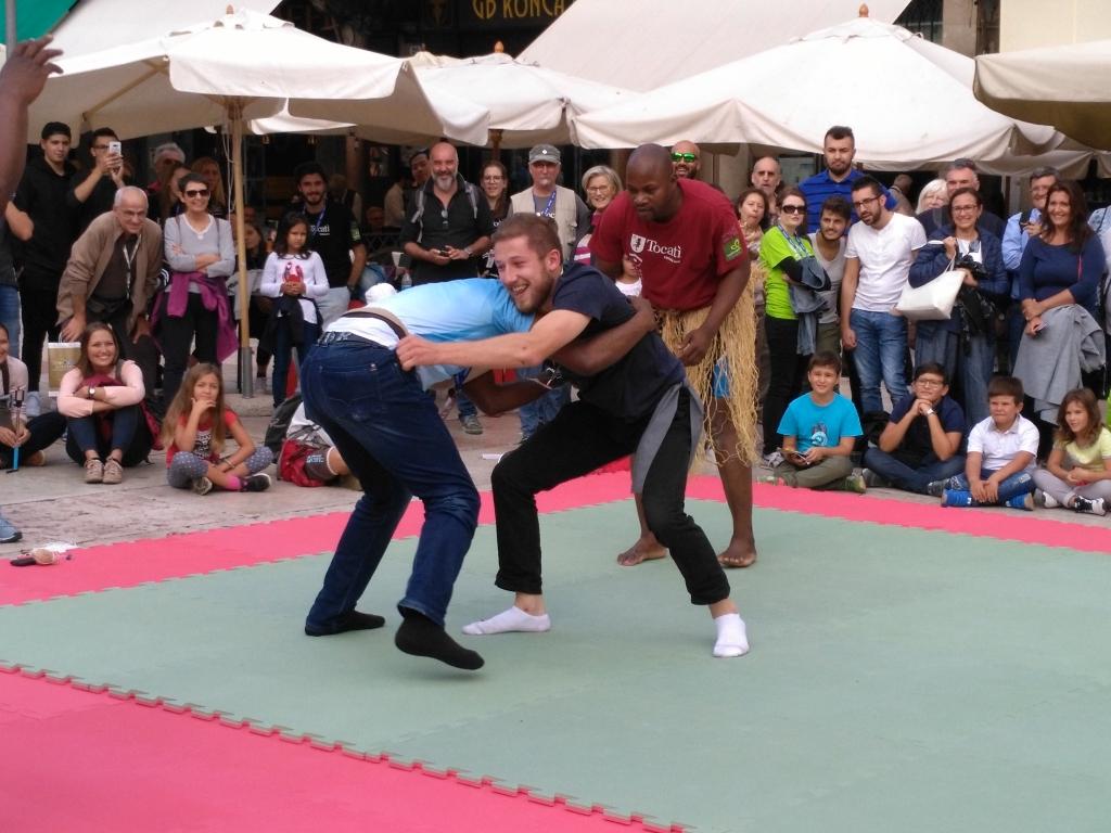 wrestling confrontation - Tocati