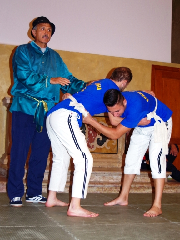 traditional sport - wrestling S'istrumpa